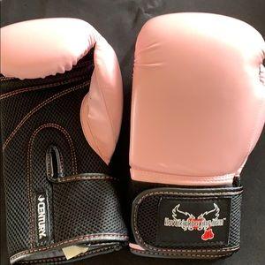 Ladies Pink 12 oz Kick Boxing Gloves